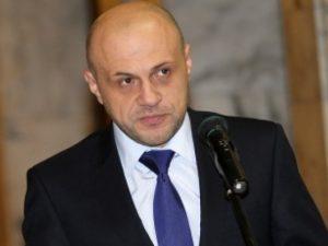 Томислав Дончев: Кунева с едната ръка контролираше, с другата – харчеше
