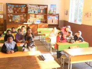 Учителят, който кара децата да пеят!
