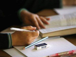 87,2 на сто от учениците учат английски език