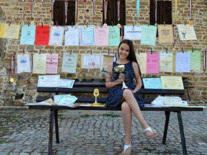 Ученичка от Свищов спечели златен медал и златна купа на международното състезание по математика