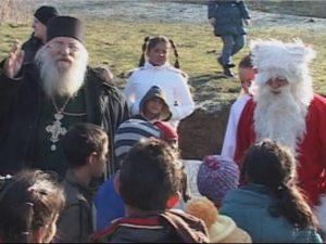 За пример: Ученици от София с дарение за приюта на отец Иван