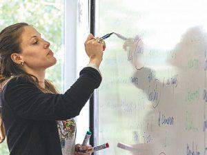 Порочна практика – учителските уволнения и назначения