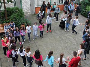 Стотици ученици се включиха в предизвикателството MOVE WEEK в училище в Търговище