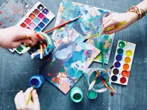 Две гимназии по изкуства се преобразуват в училища