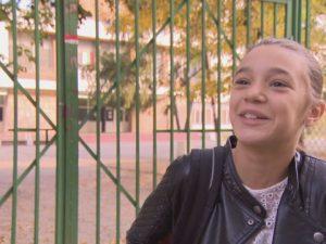 Петокласничка потърси правата си пред властите заради тежките раници