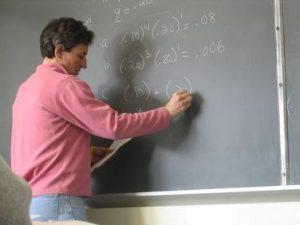 Подписаха анексa за увеличение на учителските заплати