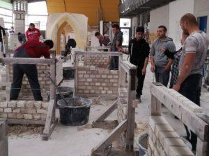 Ученици ремонтират забавачките, община Пловдив плаща