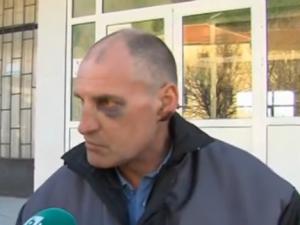 Пиян нахлу с нож в училище, охранителят пострада