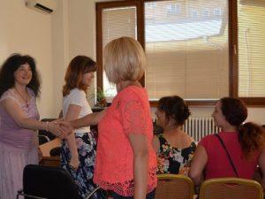 Мая Манолова се среща с просветния министър заради уволнена учителка
