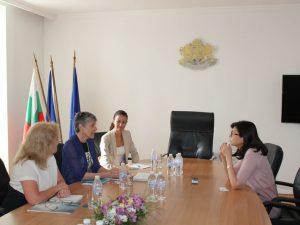 """""""Америка за България"""" ще помага и на учителите"""