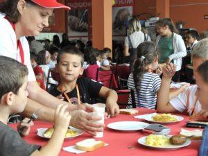 Храната в училище-стимул срещу риска от отпадане