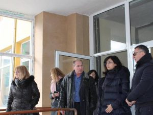 Психолози ще работят с учителите и учениците в Хитрино