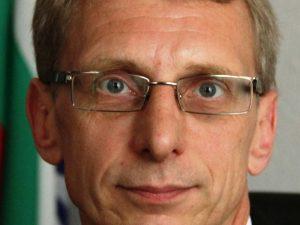 Министър Денков с амбиция за спокойствие в системата на образованието