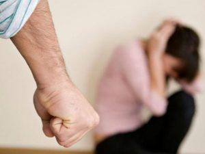 Баба и дядо удариха учителка в Кърджали