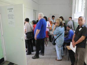 МОН ще осигури нормална работа на изборните секции в училищата