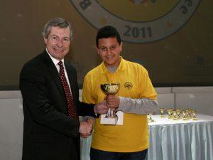 Посланикът на САЩ награди първия Spelling Bee шампион за България