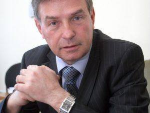 Съветник  на Кунева подаде оставка заради скандални снимки
