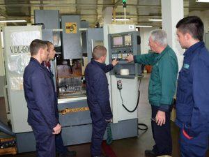 4830 ученици се обучават по професии за машиностроенето