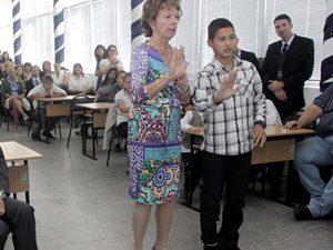 Зам.-председателят на ЕК Нели Крус: Знанието ще ви направи независими!