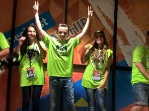 Пет български ученици се състезават в световно състезание по ИТ