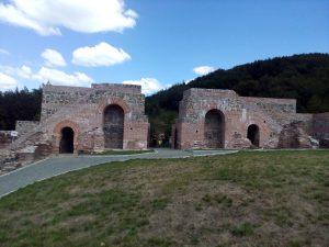 НИМ издаде третата луксозна книжка за реставрирани крепости
