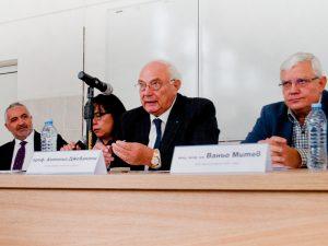 Скандал заради прекратяване на договор на МУ – София