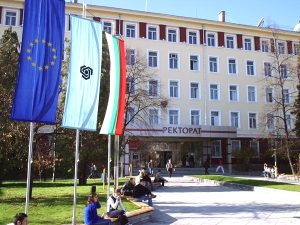 Университетите закъсаха за нови студенти