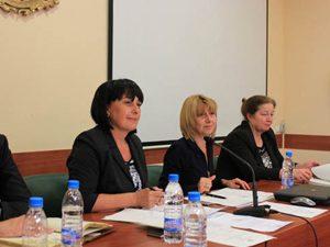 Министър Клисарова откри първото заседание на Обществения съвет към МОН