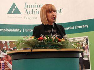 Проф. Клисарова в дискусия за училищното образование