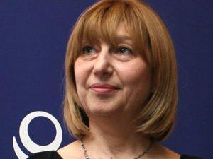 Министър Клисарова се срещна със студенти