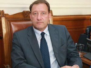 Министър Найденов подкрепя военното обучение в училище