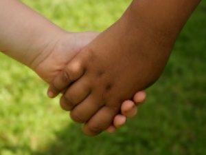 """Конкурс за набиране на проектни предложения на тема """"Обучение в дух на толерантност и недискриминация в детските градини и в училищата чрез съхраняване и развиване на културната идентичност на деца и ученици от етническите малцинства"""""""