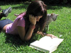 """20% от осмокласниците не искат """"да си губят времето"""" в четене"""