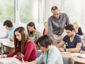 Над 60% от учениците у нас се притесняват да не получат ниски оценки, сочи проучване