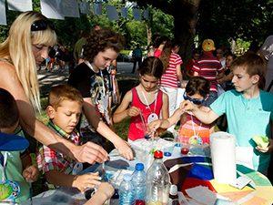 """Деца и учители от цялата страна се събраха за """"Празник на приобщаващото образование"""" в София"""