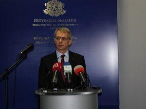 Николай Денков: Трайно изоставаме в научните изследвания