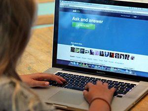 Внимание! Рискът от педофили онлайн е еднакъв за всички деца
