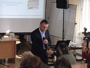 Диян Стаматов: По отношение на изпитите няколко години ще вървим и по двата закона