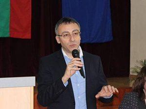 Диян Стаматов: Няма да има ученици без учебници за новата учебна година