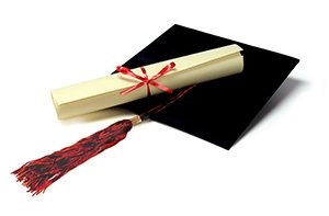 Гимназия издава фалшиви дипломи