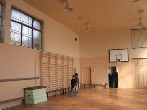 1/3 от училищата ползват класни стаи за физкултурни салони