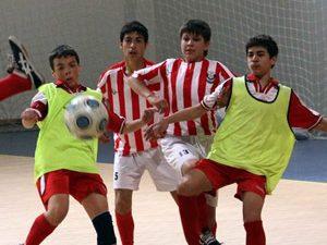 Ученици ще играят футбол срещу дрогата