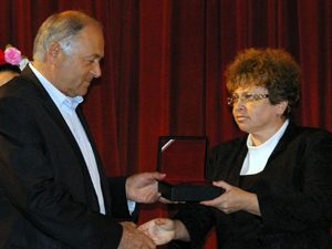 Кметът на Сливен награди учители и културни дейци