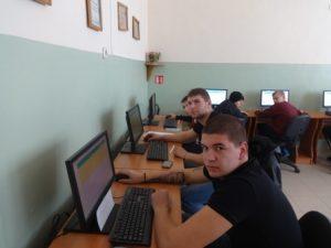 Онлайн система свързва учениците и пазара на труда