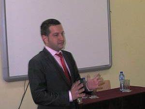 Зам.-министър Кръстев: Ролята на държавните институции и образованието е да оказват подкрепа