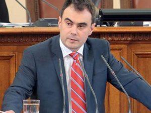 Депутат: Могат да се теглят дългове за милиарди, а за учителите няма нищо!