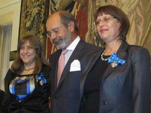 Служители на МОН наградени от посланика на Испания