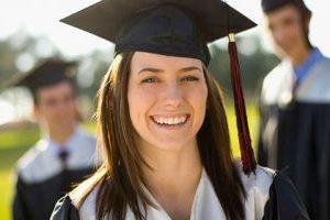 Съобразяват издаването на дипломите с кандидатстването в чужбина?