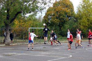 Класическата гимназия отбелязва годишнина с футболен турнир