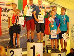 Български ученици с първо място от състезание по корабомоделизъм